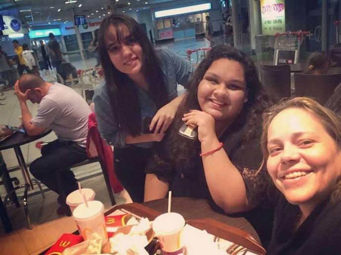 Encuentro madrugada en Ezeiza (Argentina) con Eli y Mariana